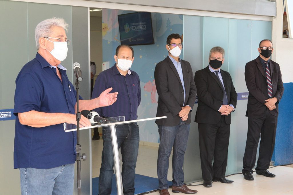 Líder do Executivo inaugura Centro de Internação Pediátrico 1